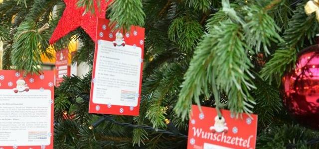Weihnachtswunschbaumaktion in der Mensa 1